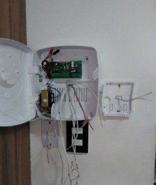 instalação da central de alarme e os componentes