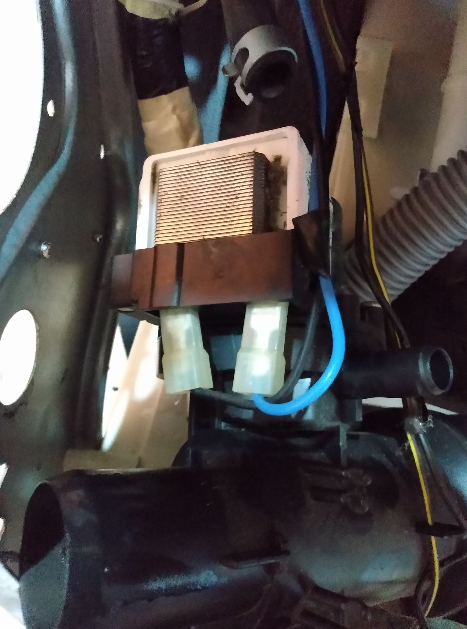 verificação na parte da bomba da máquina de lavar