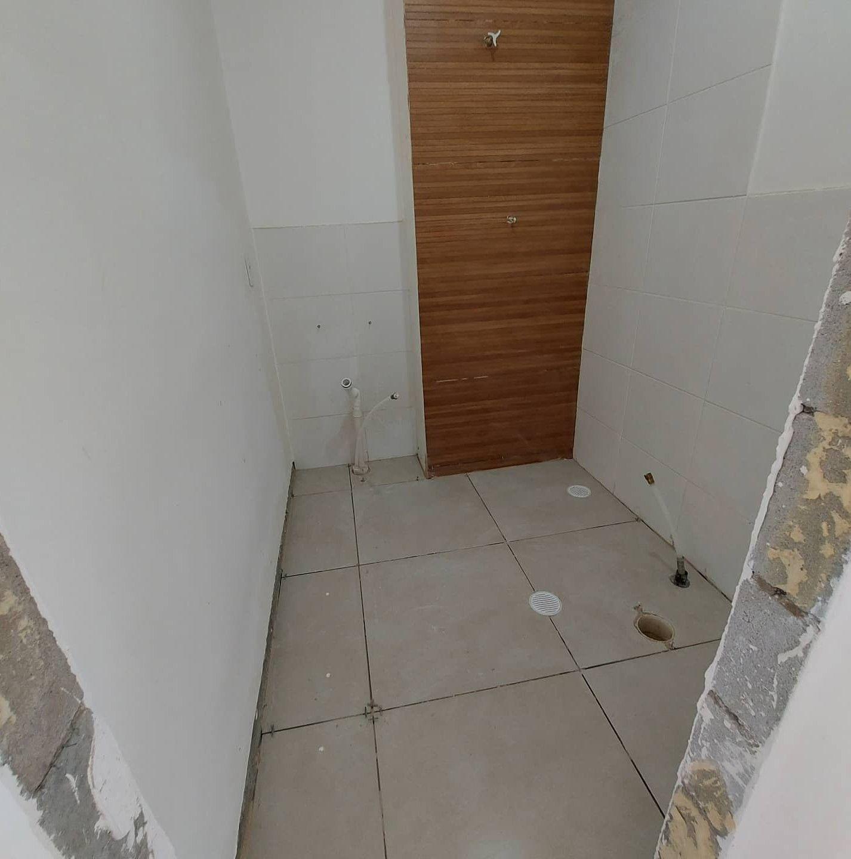 revestimento parede e piso, banheiro.
