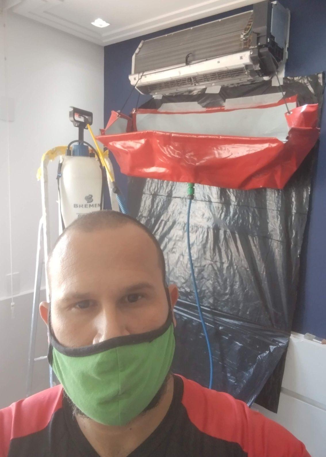 Higienização de ar condicionado.