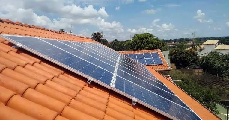 Painel fotovoltaico instalação