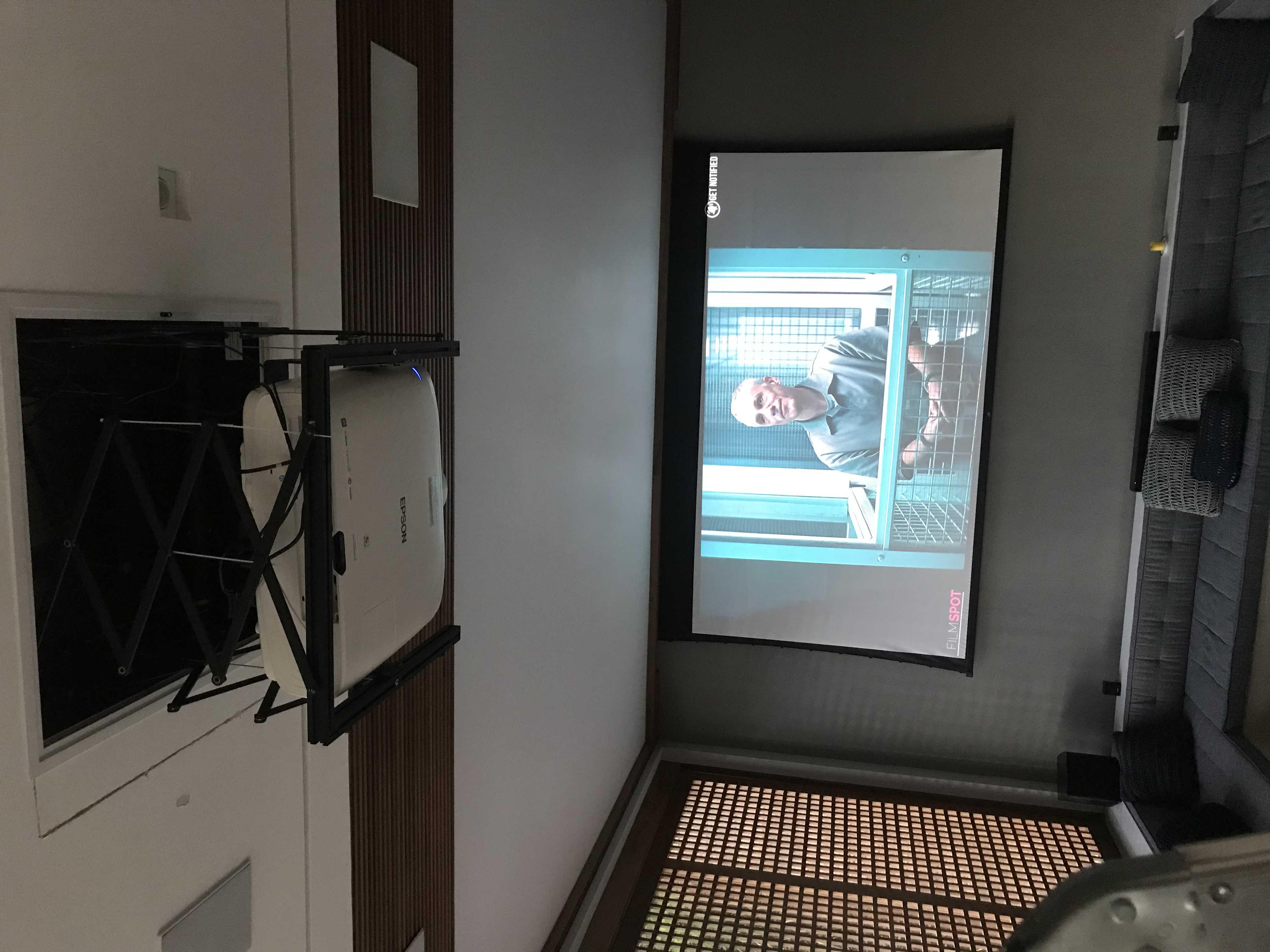 """Instalação lift com projeto + tela de 120"""""""