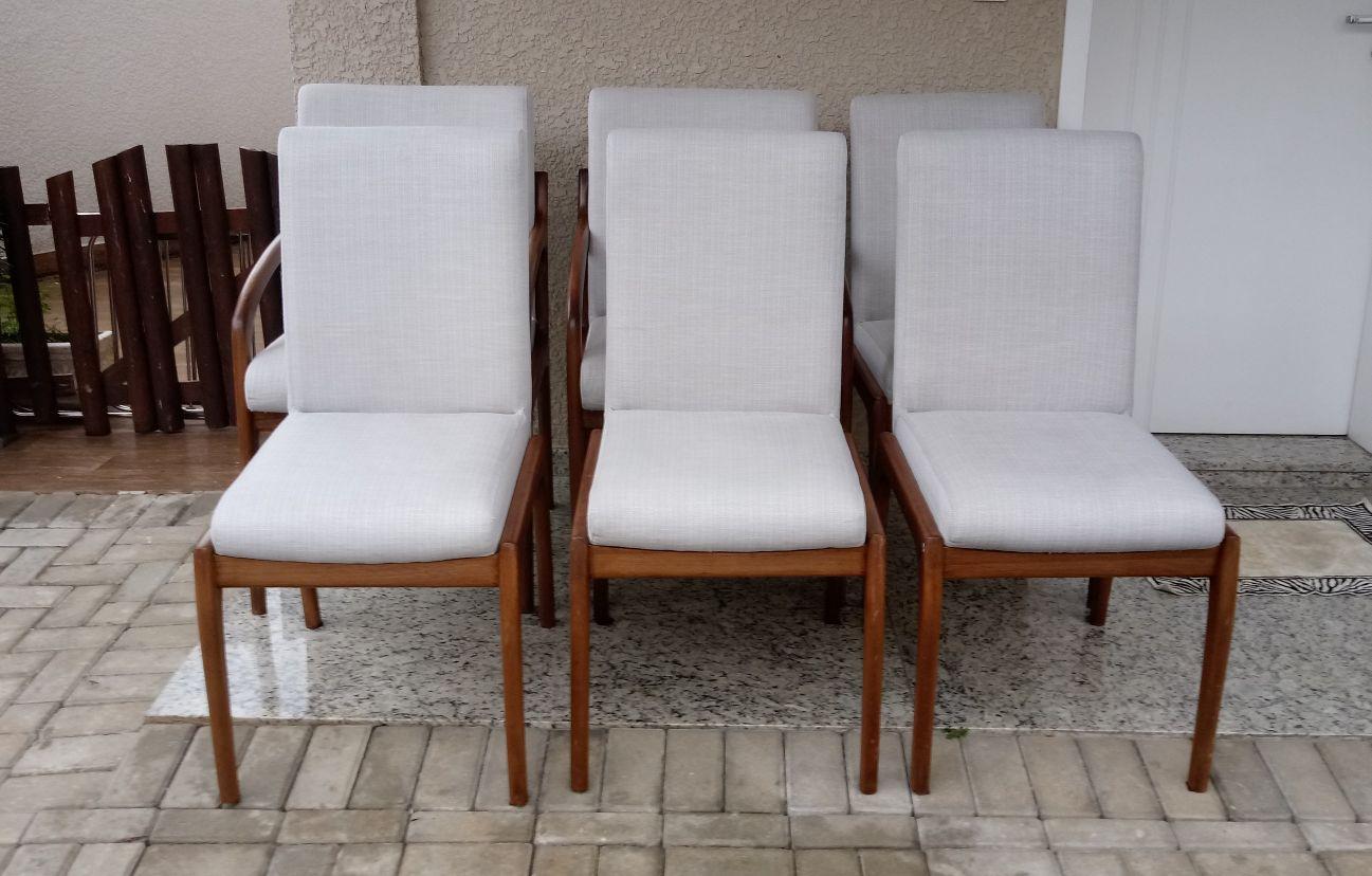 cadeiras higienizadas