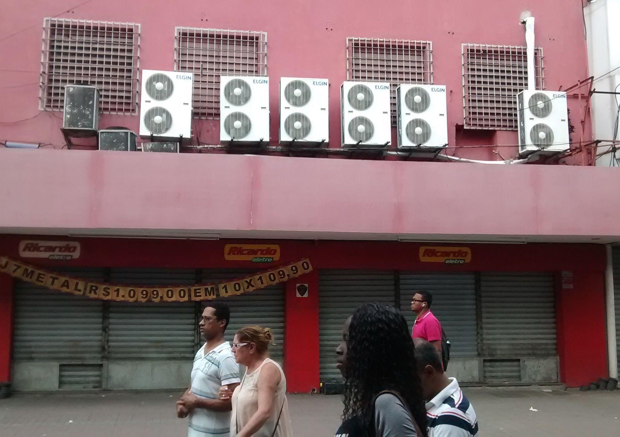 Lana da Ricardo eletro serviço de refrigeração