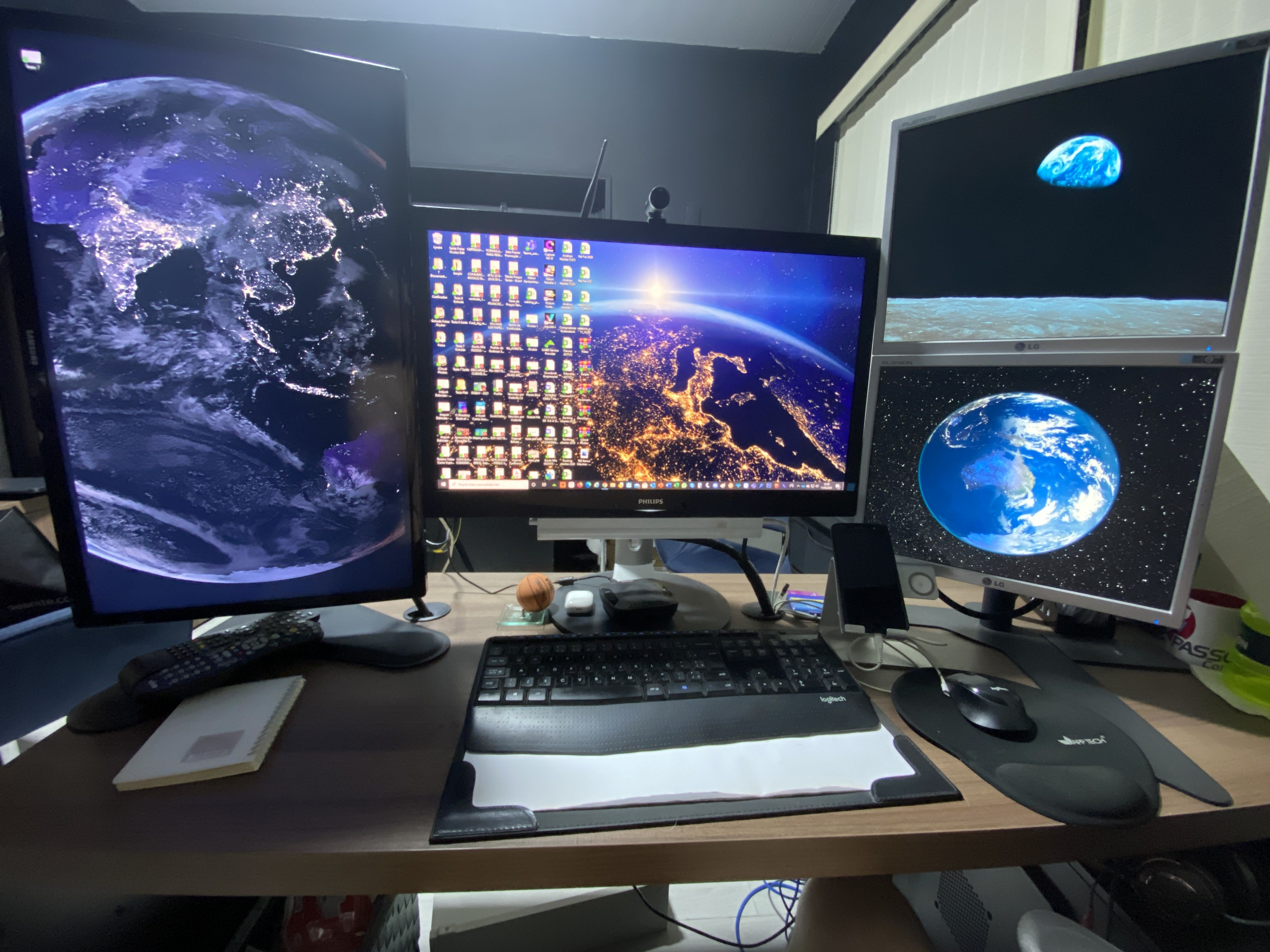 Montagem, instalação e configuração de PC com 4 monitores, rede cabeada com internet de 300GB.