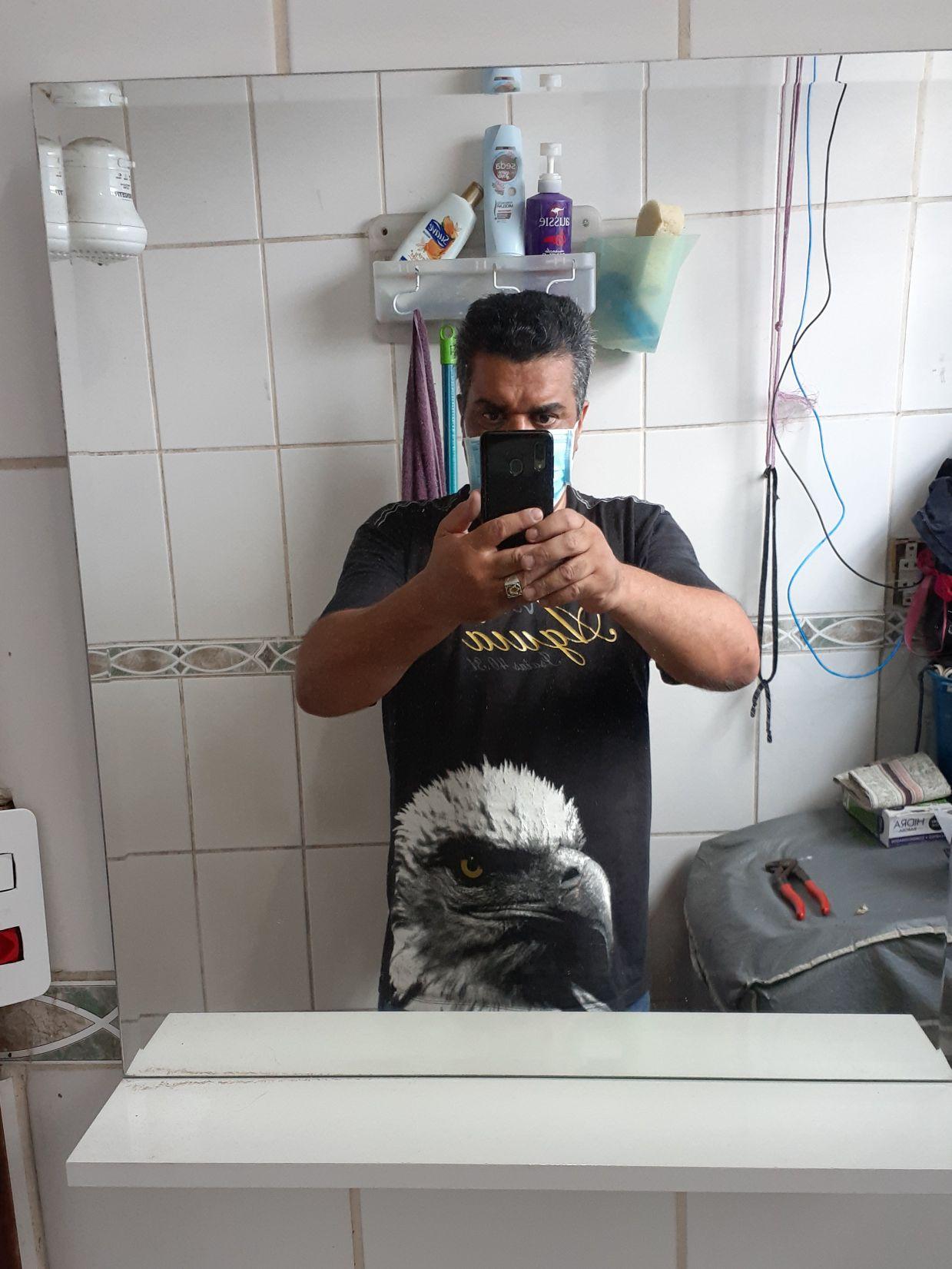 Instalação de espelheira.