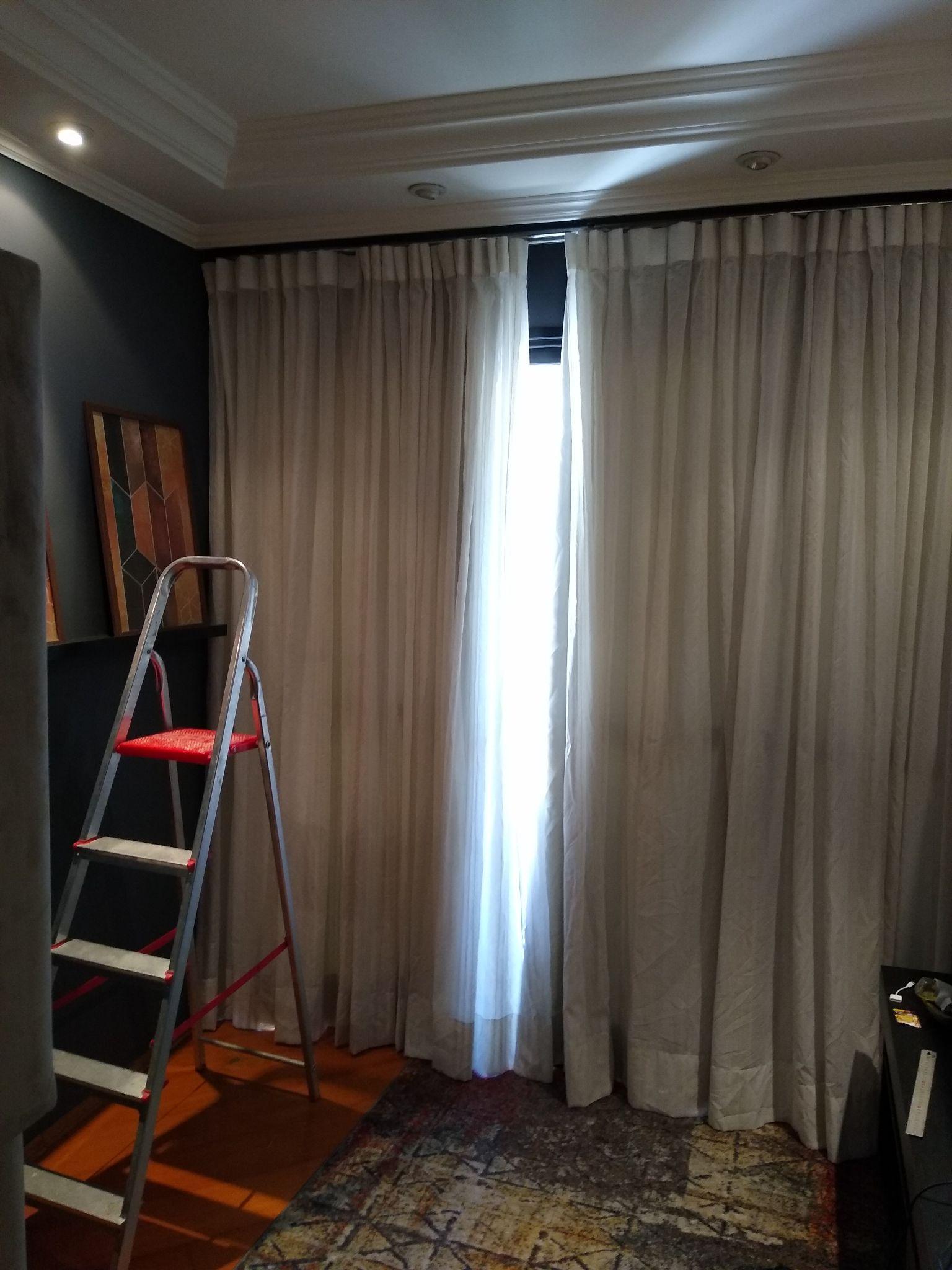 Colocação de cortinas