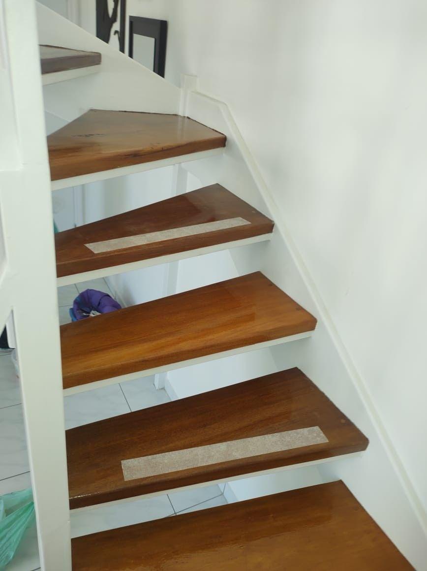 escada invernizada.
