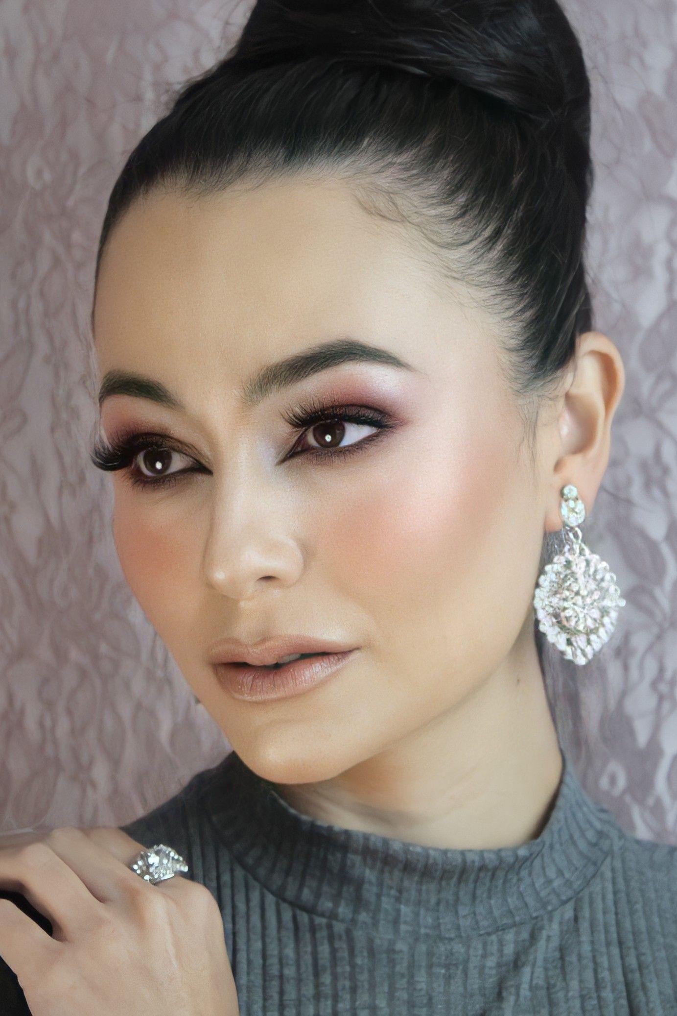Maquiagem para catálogo semi jóias
