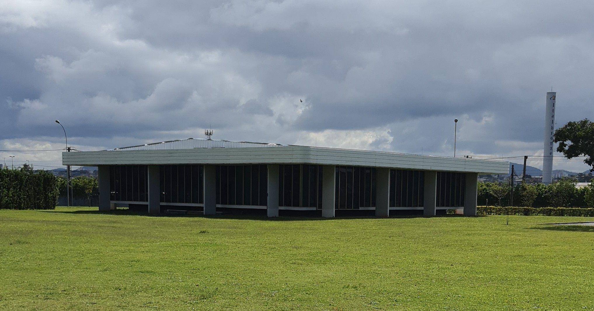 Depois, telhado estrutural