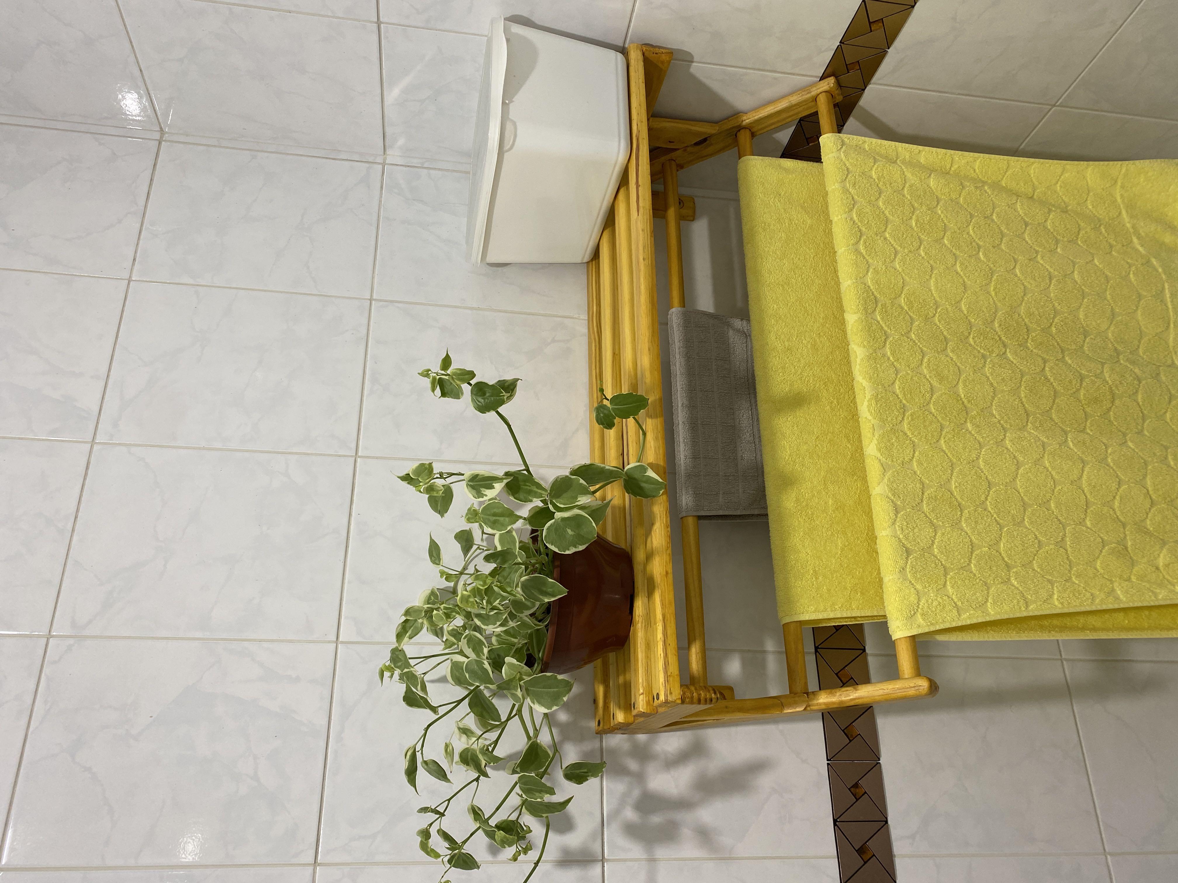 Projeto e execução de porta toalhas de banheiro.