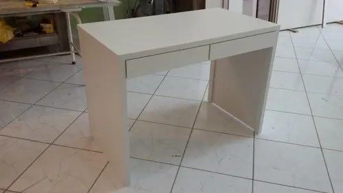 Escrivaninha em MDF branco