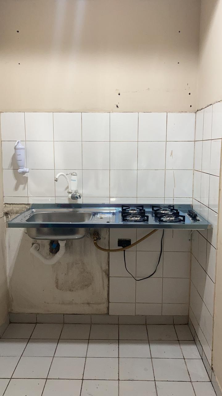 Instalação de pia/fogão.