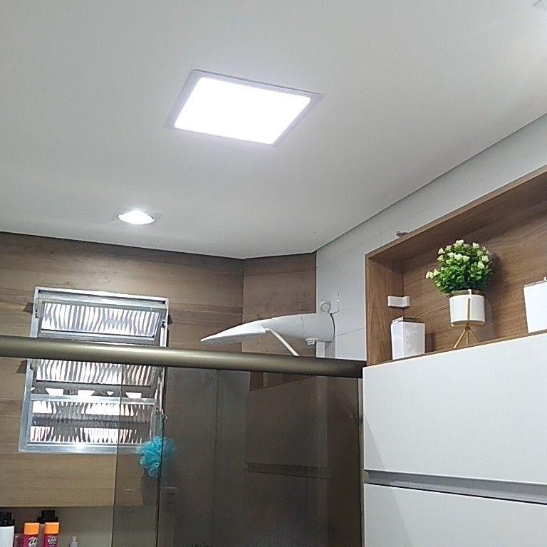 instalação de luminárias e chuveiro.