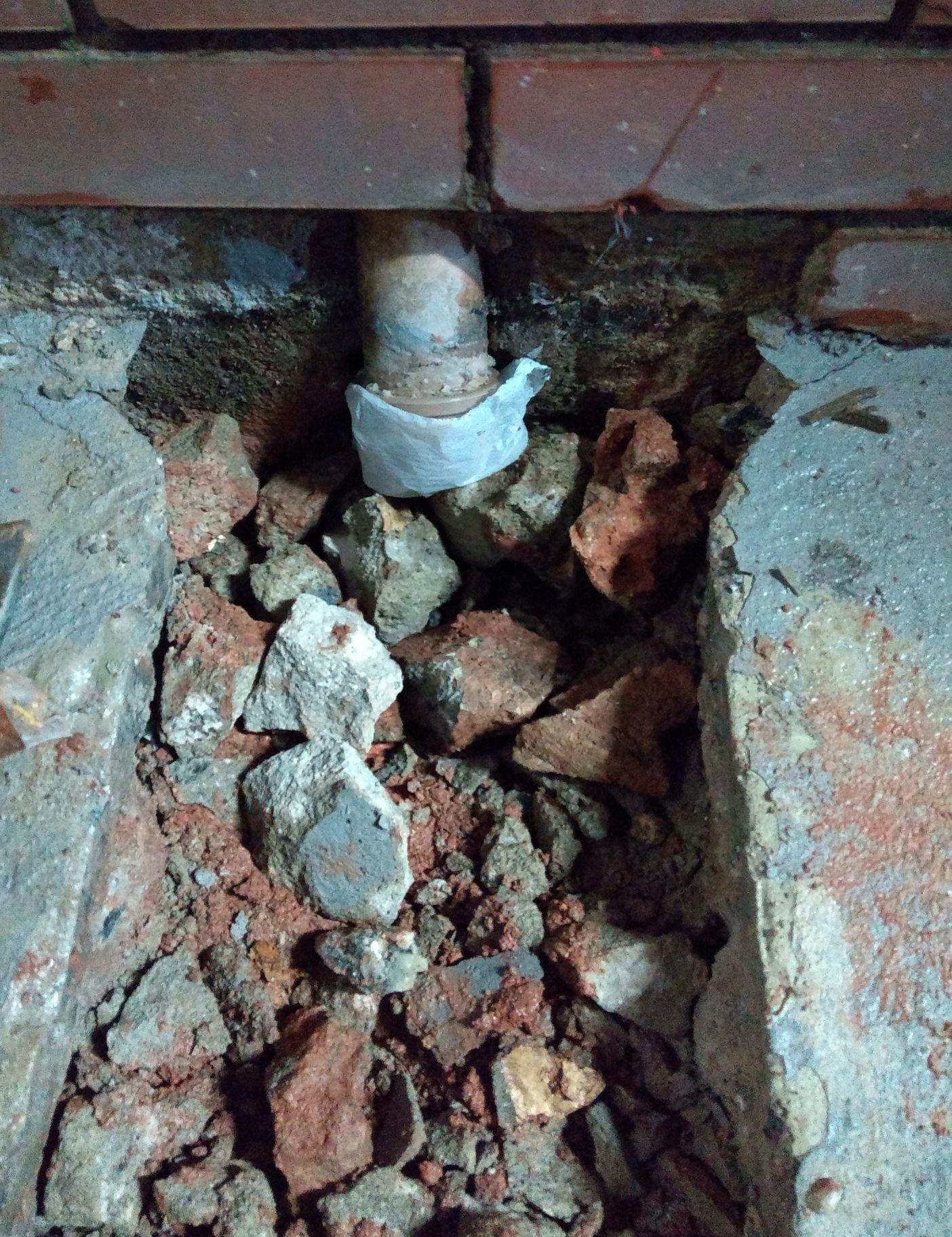fechamento de buraco de encanamento