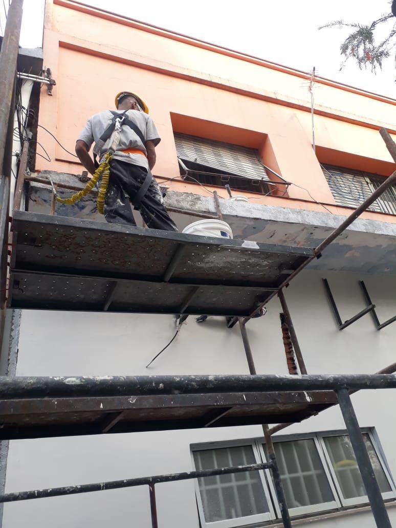 Restauração de fachada do Cresisp de Osasco