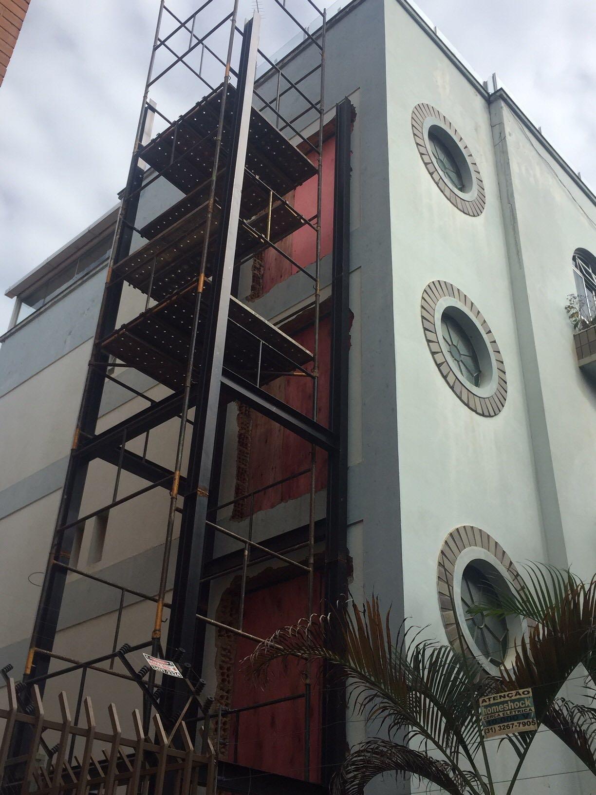 Infraestrutura metálica para instalação de elevador com 4 paradas