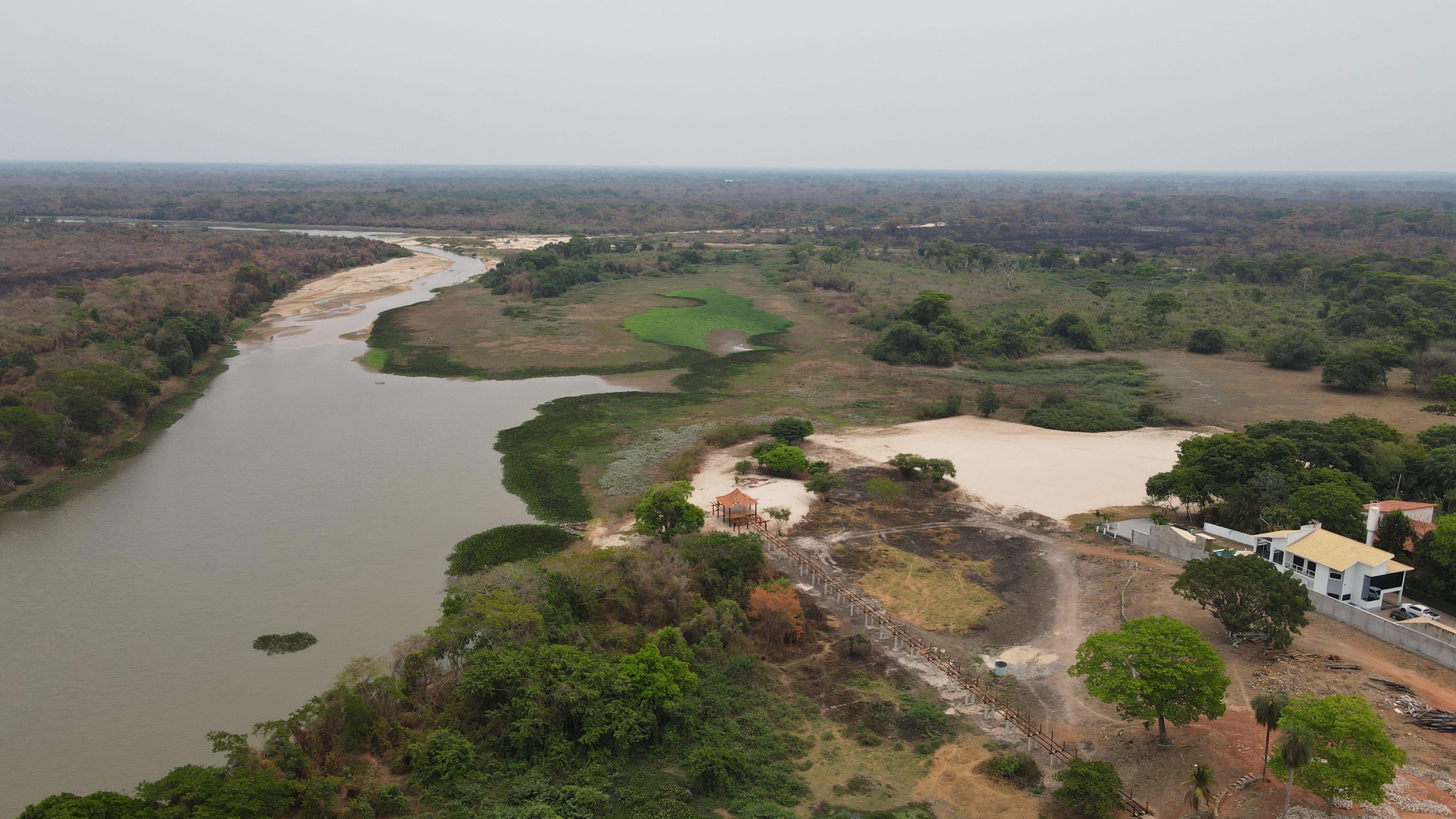 Condomínio no Rio Paraguai