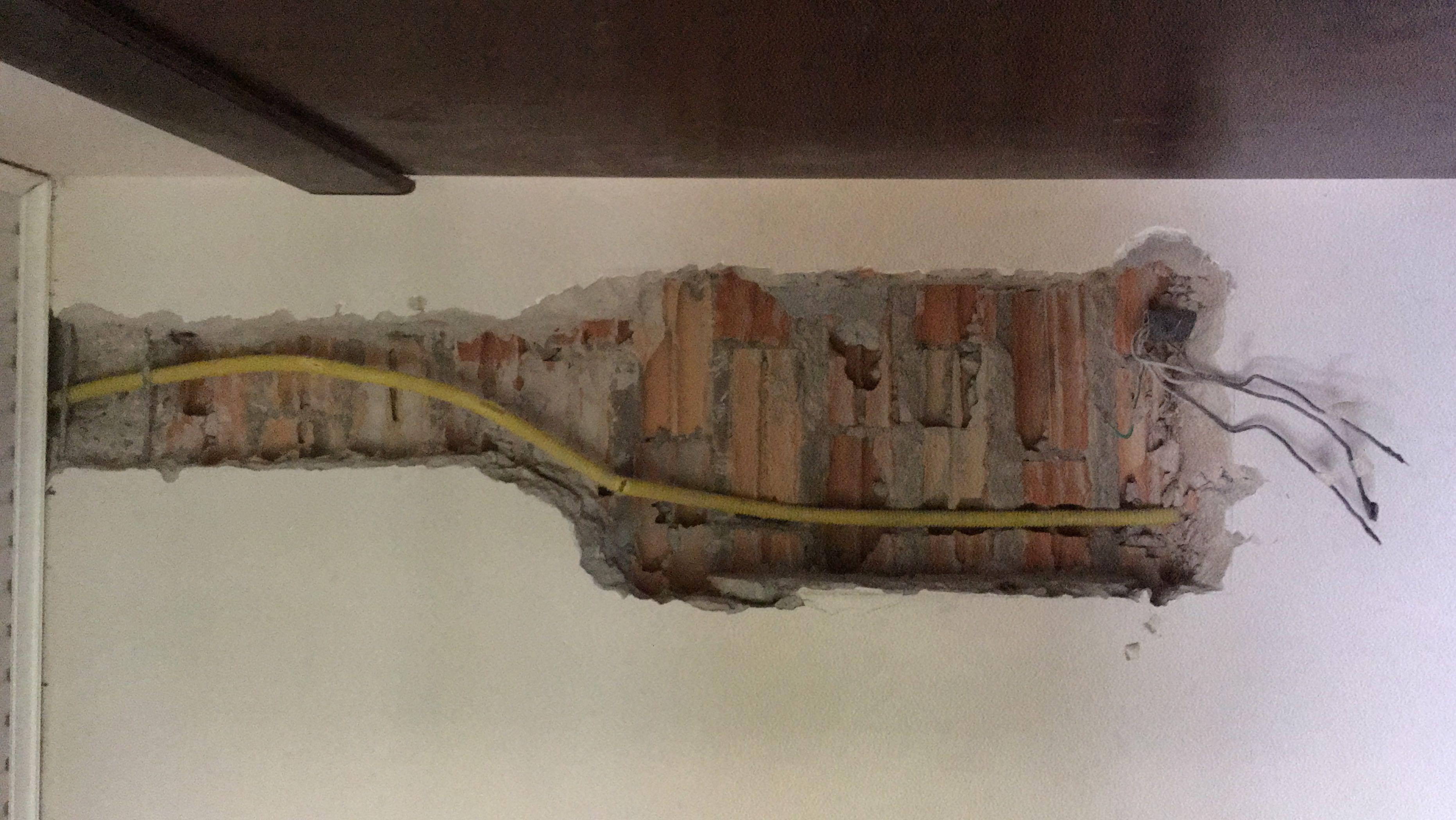 Abertura em parede para novo painel