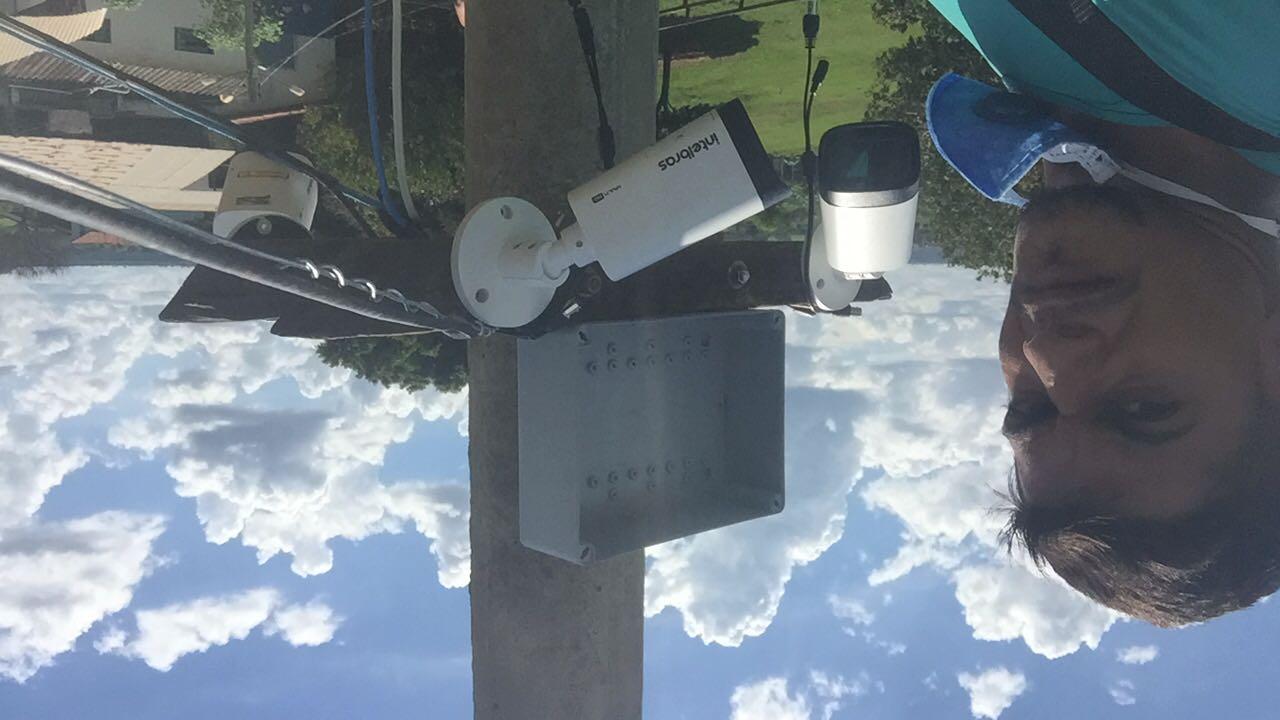 estalaçao de 4 cameras em poste mas de 7 metros