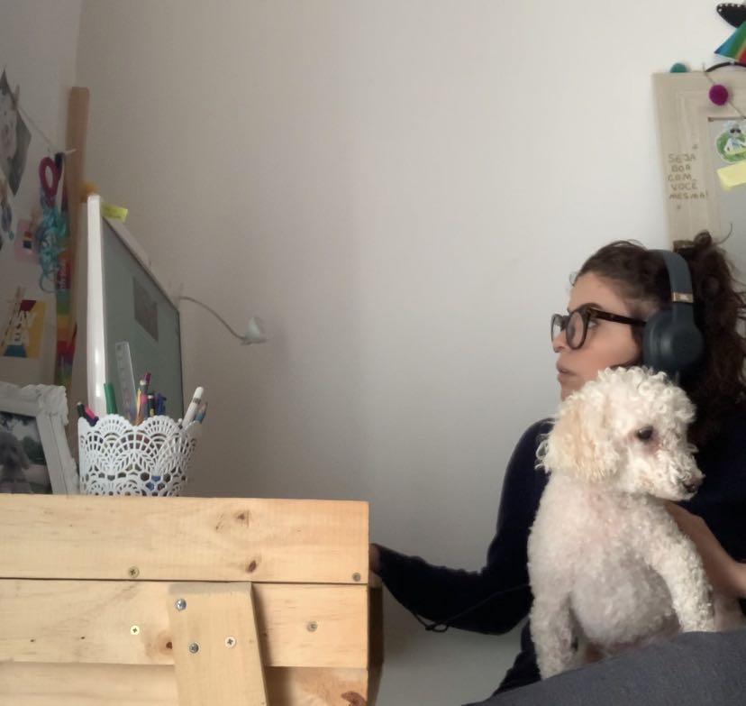 Apaixonada por cachorros desde a chegada da Samy