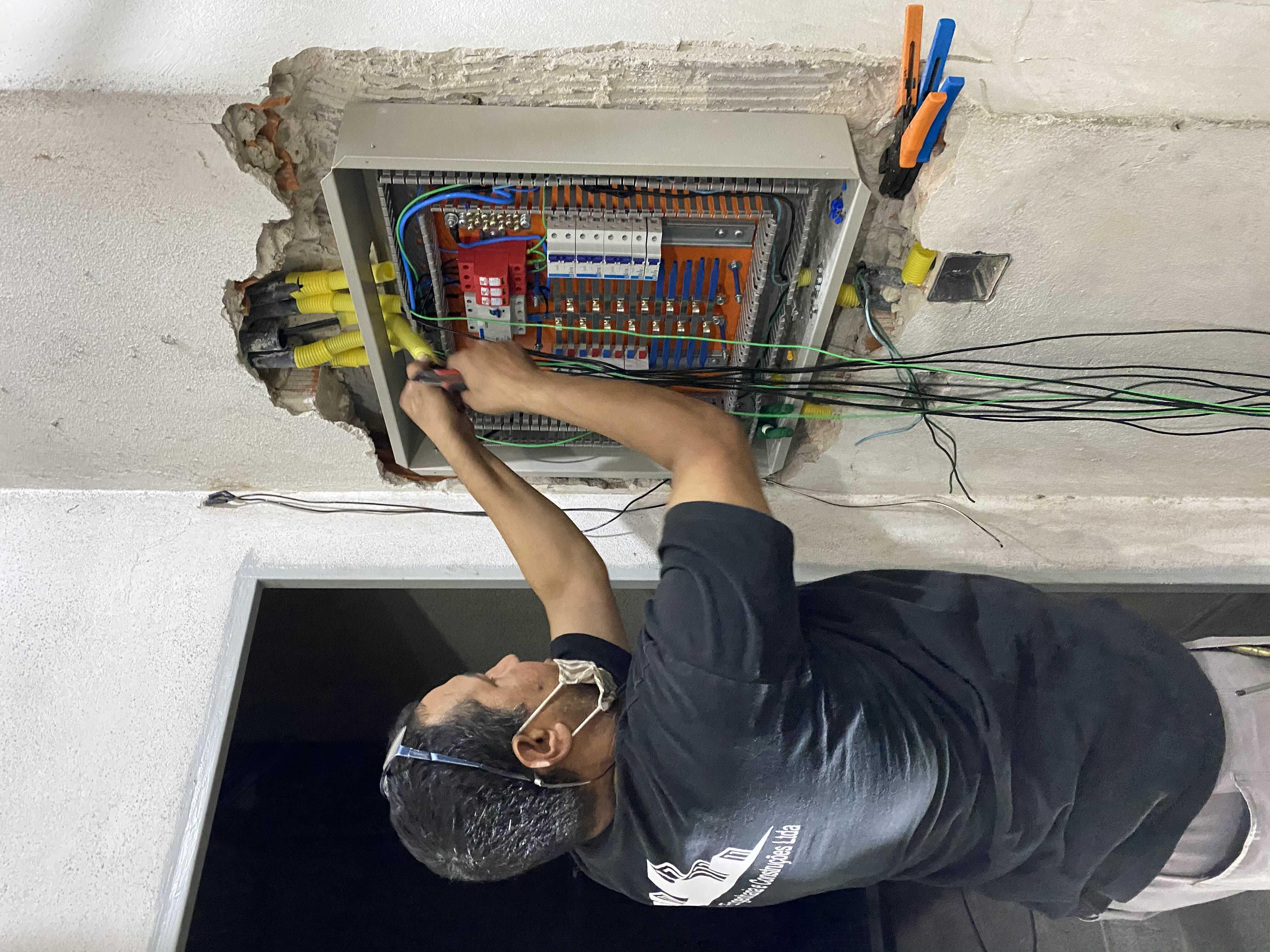 Retrofit elétrico de acordo com a norma técnica