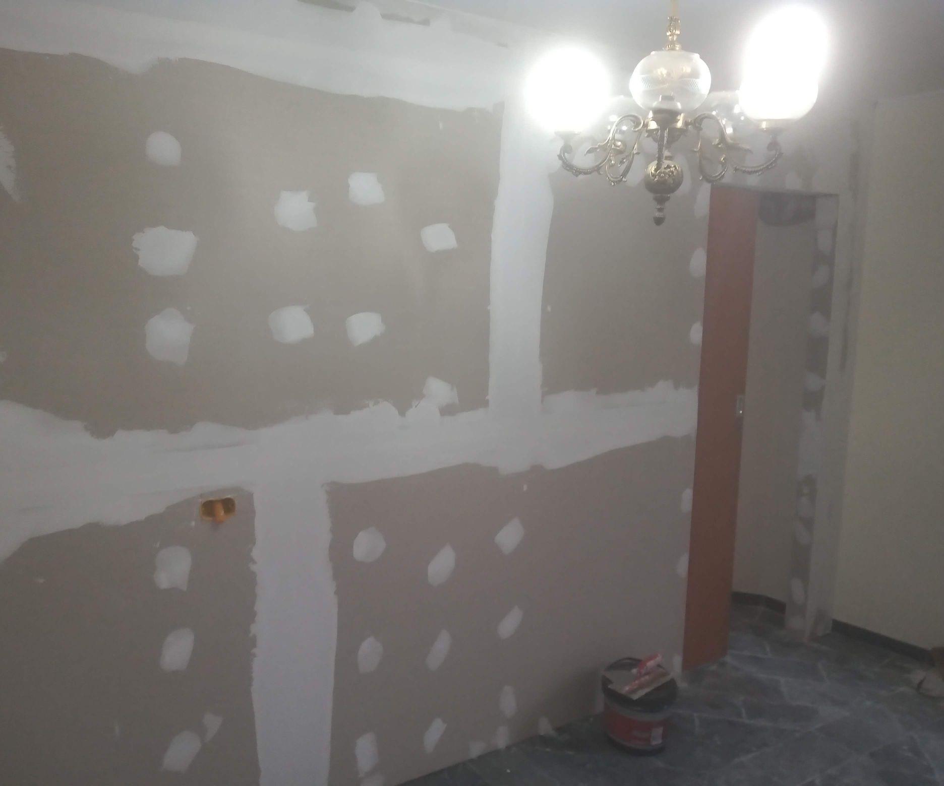 parede com porta de correr embutida