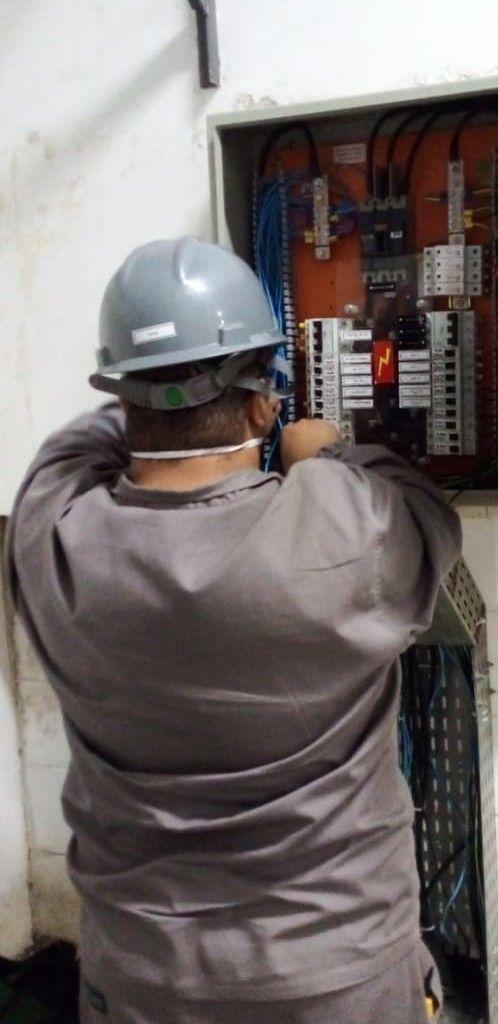 Ligando um circuito no quadro