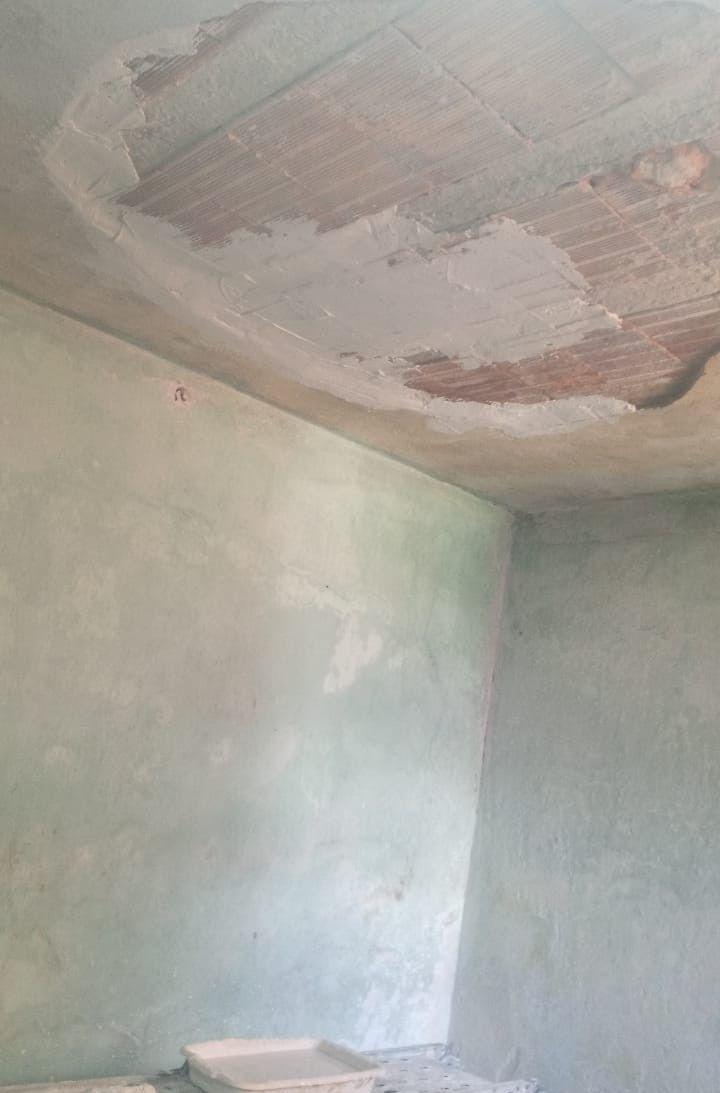Aplicação de gesso liso teto