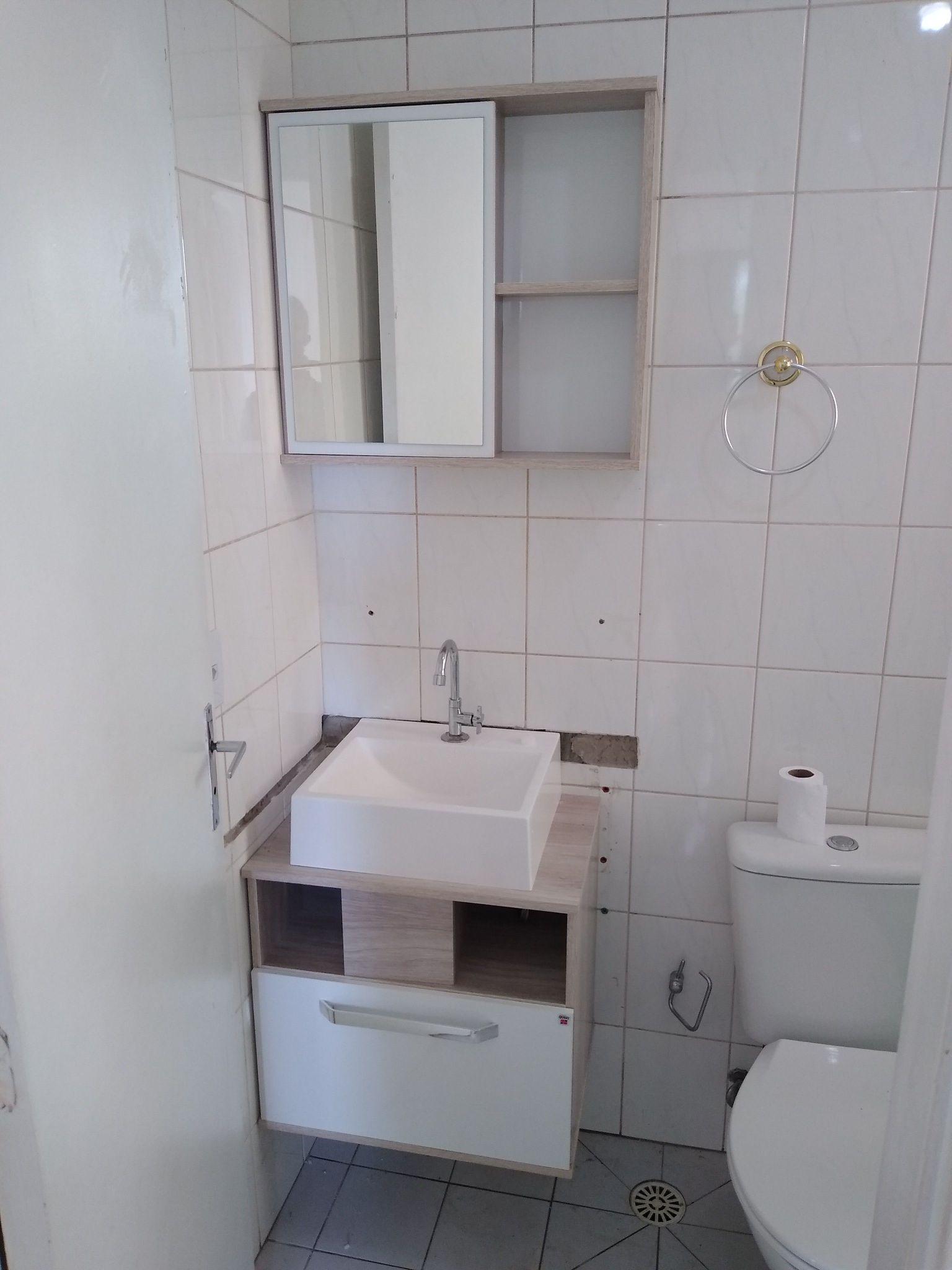 colocação de gabinete de banheiro