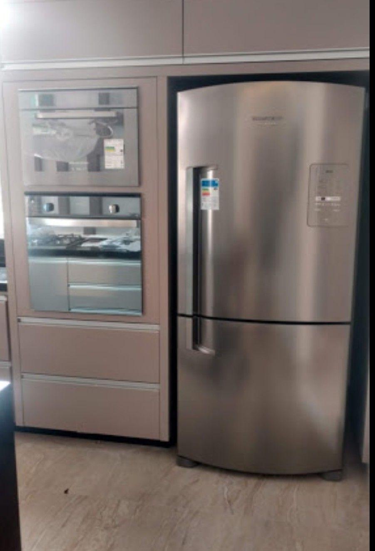 Forno eletrico +Microondas elétrico +refrigerador