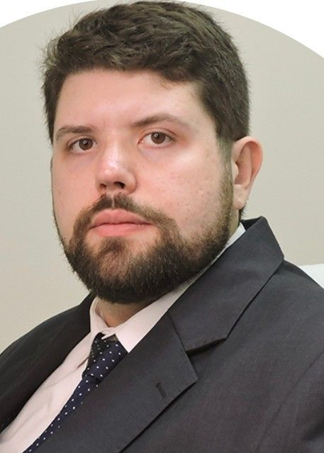 Dr. Cauê Rabelo Santos