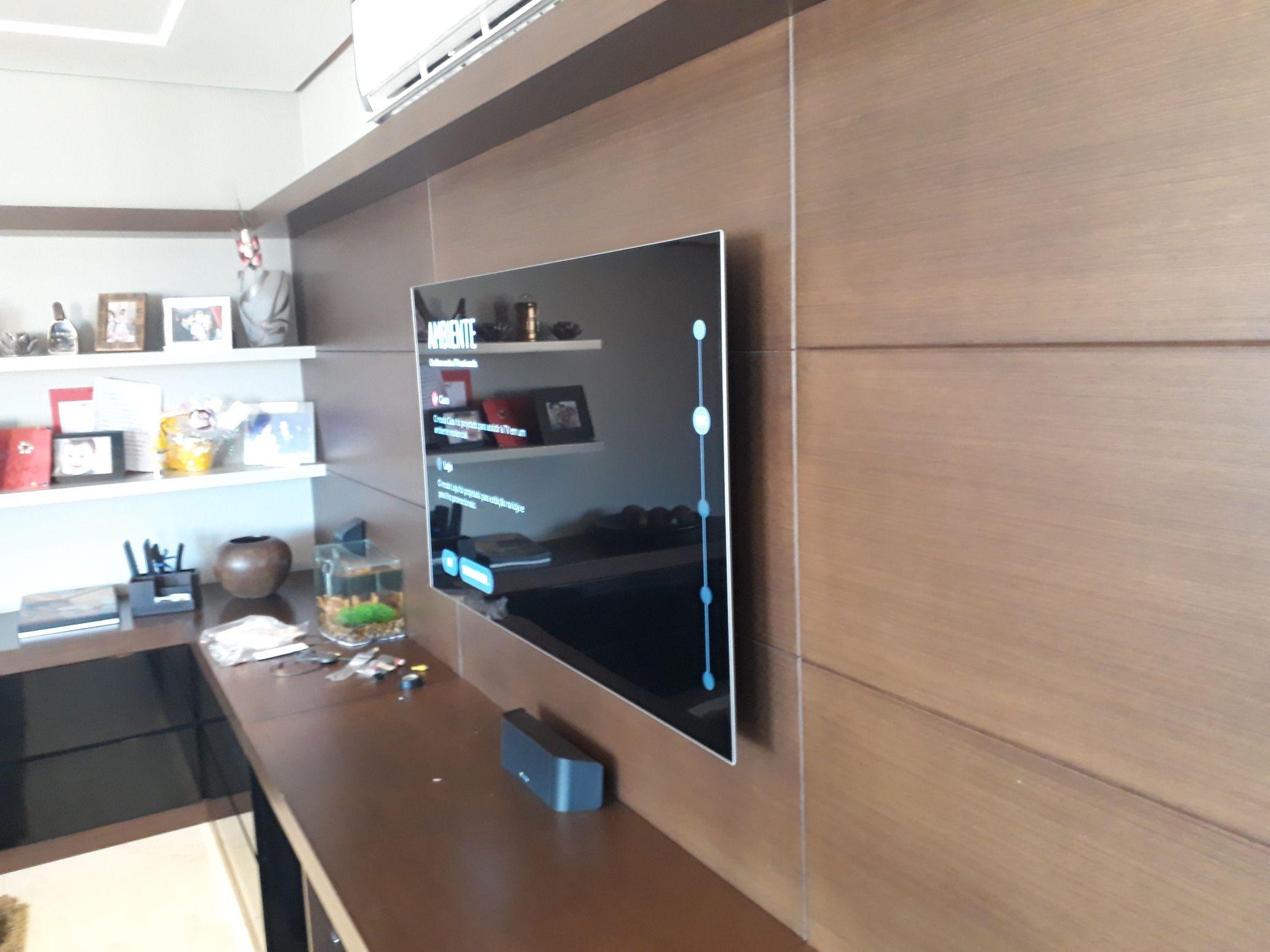 Instalação de TVs no painel ou na parede