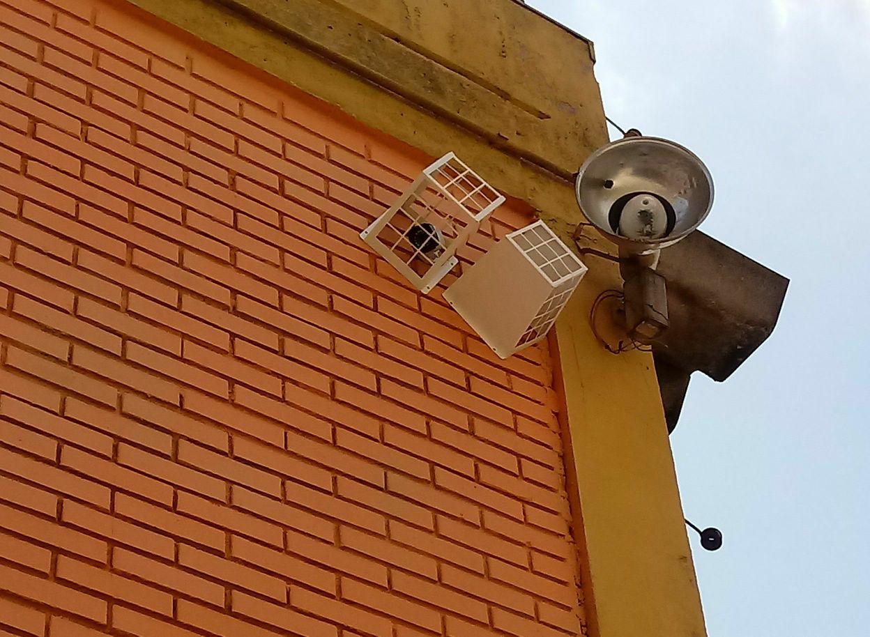 cameras externas com proteção anti vandalismo