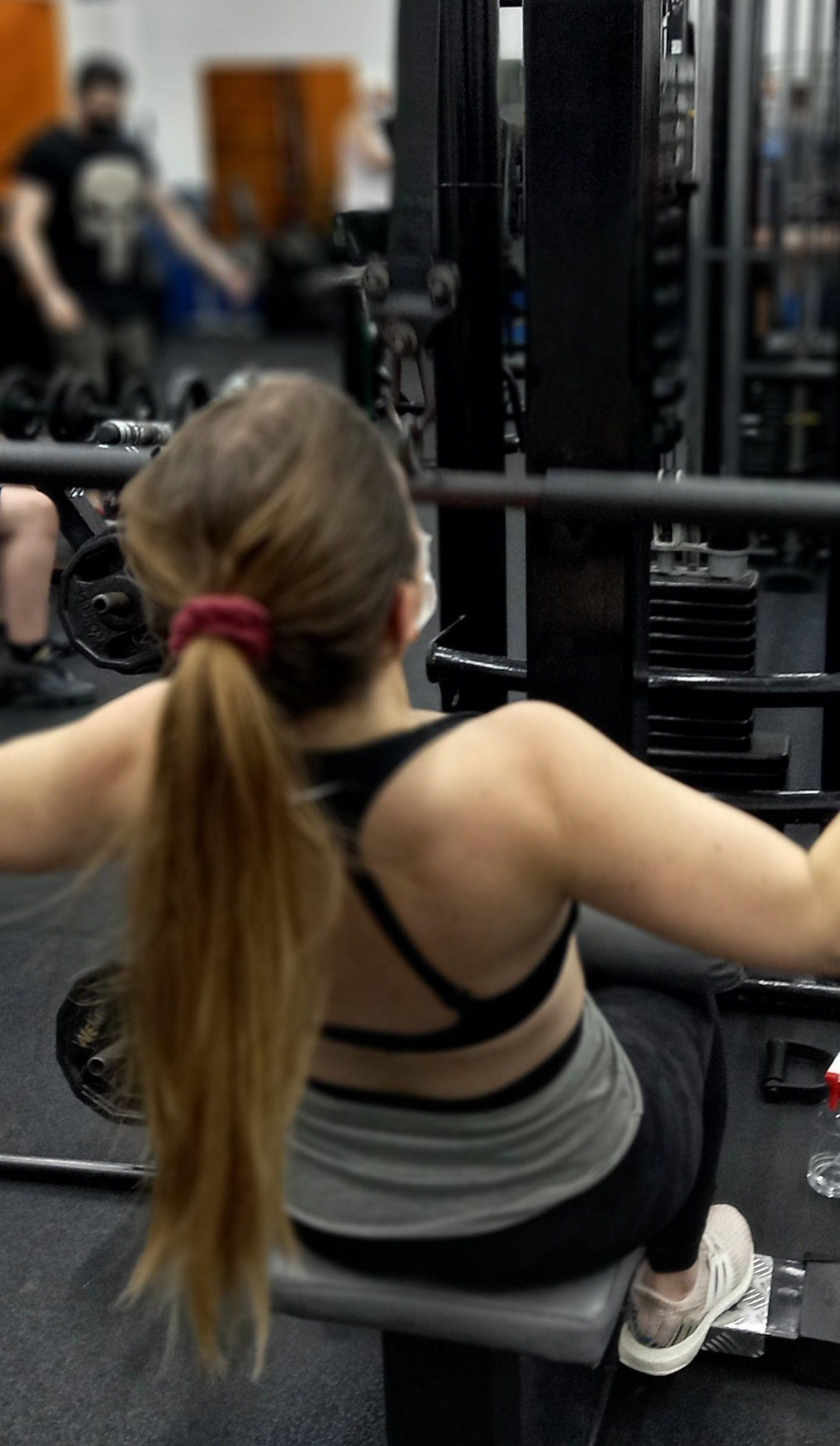 treino de musculação feminina