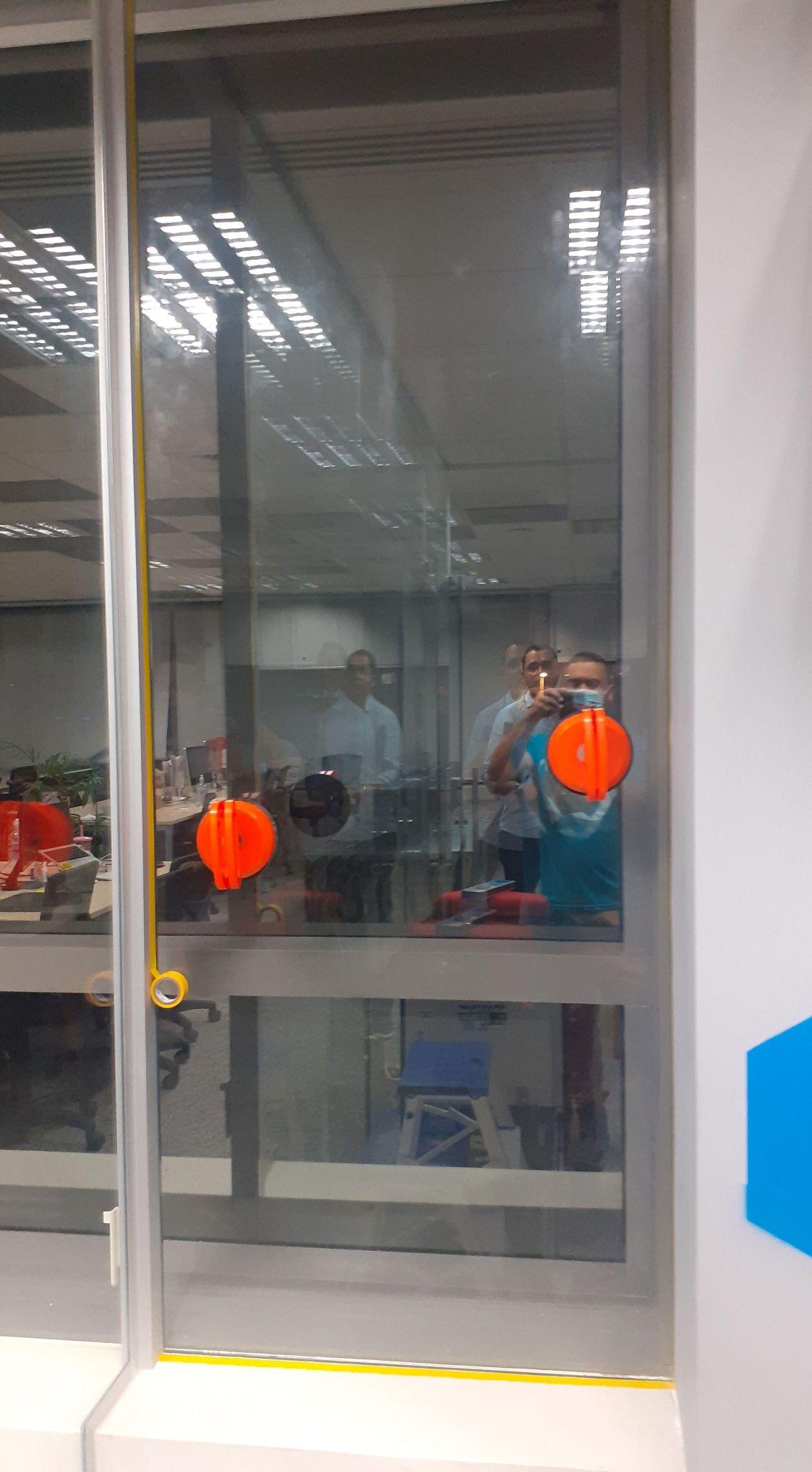 instalação de vidro na helpie