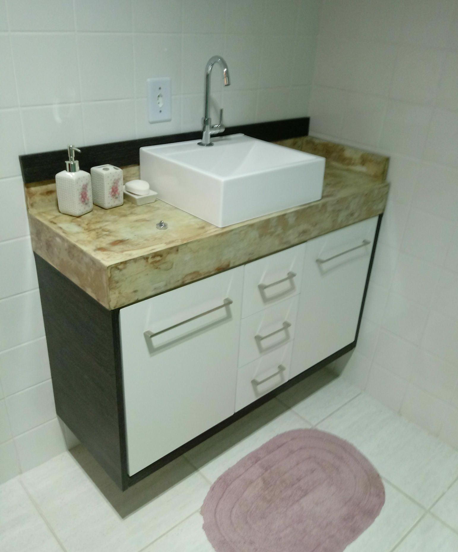 LavaboTampo resinado efeito marmore travertino