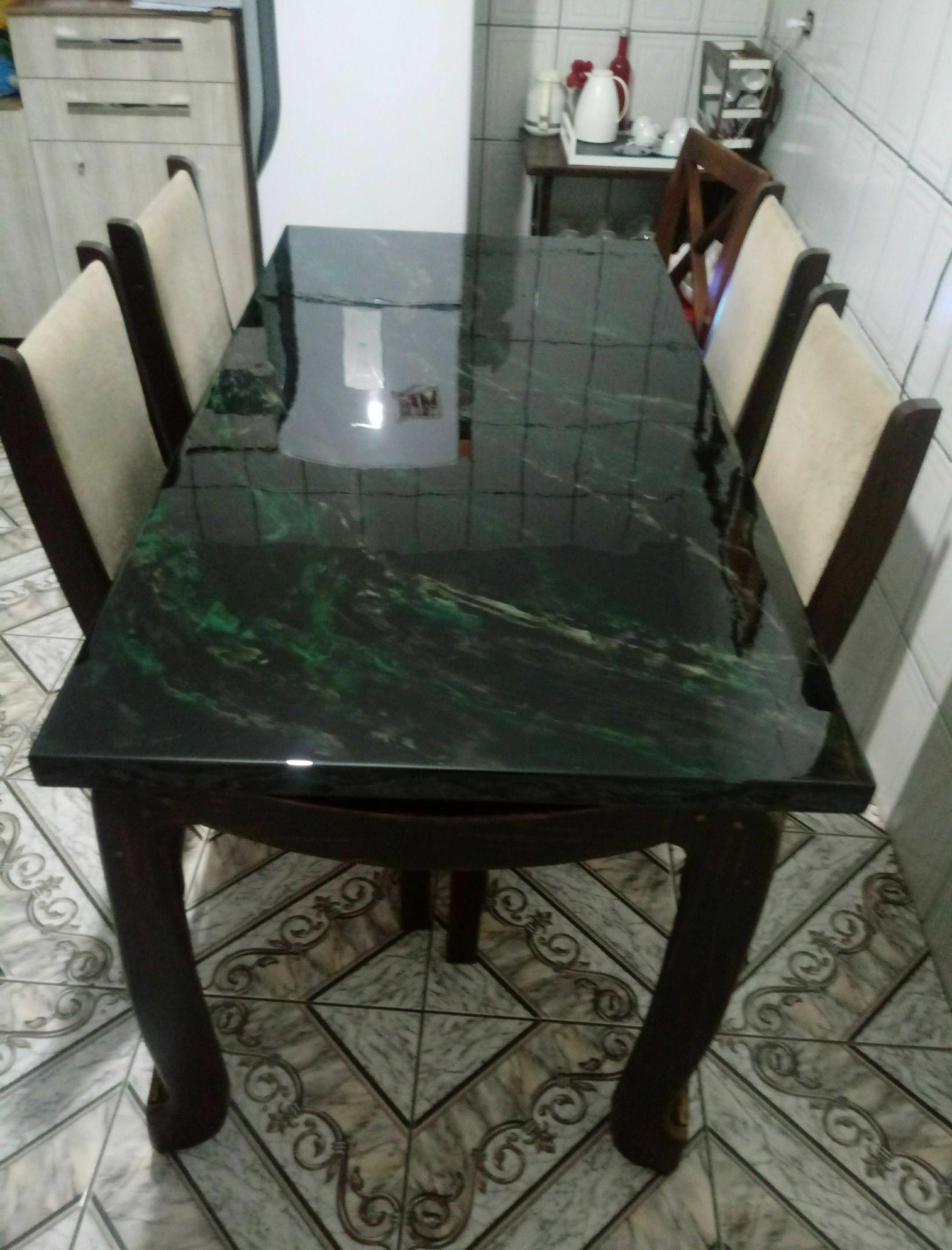Mesa trab. resina, com tecnicas e efeito mármore