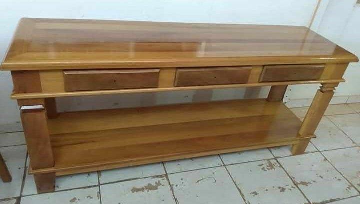 Aparador em madeira de lei ceregeira