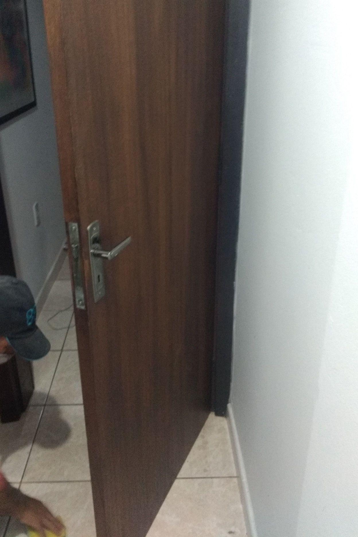 Colocação da porta.
