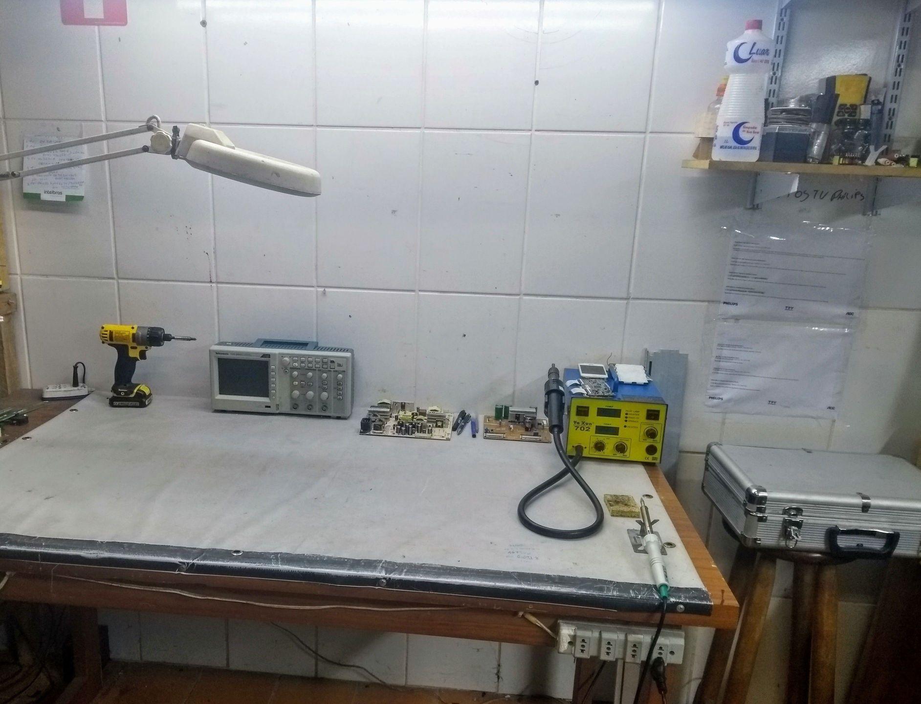 laboratório p manutenção de eletrônico