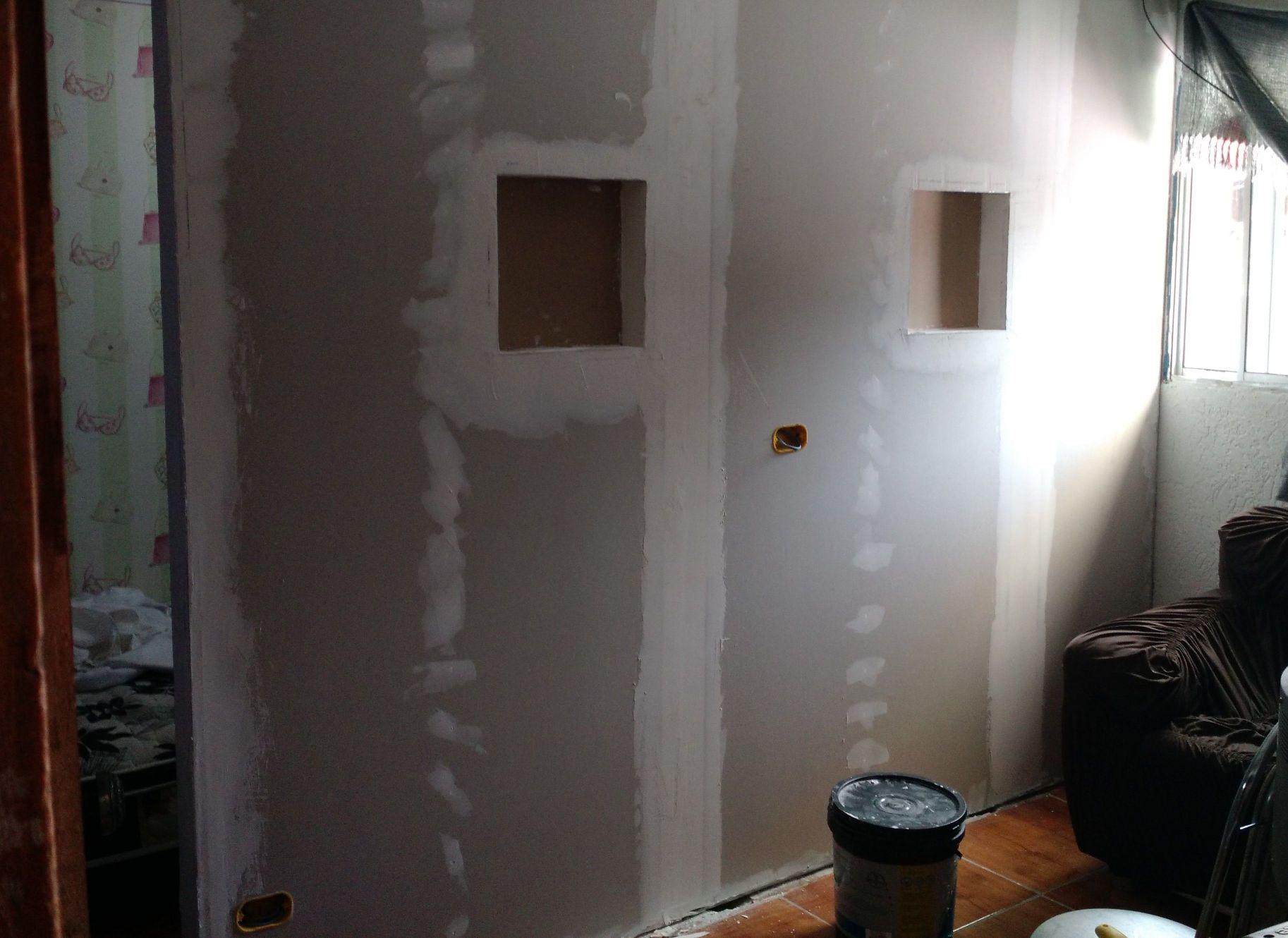parede de drywall com  nichos