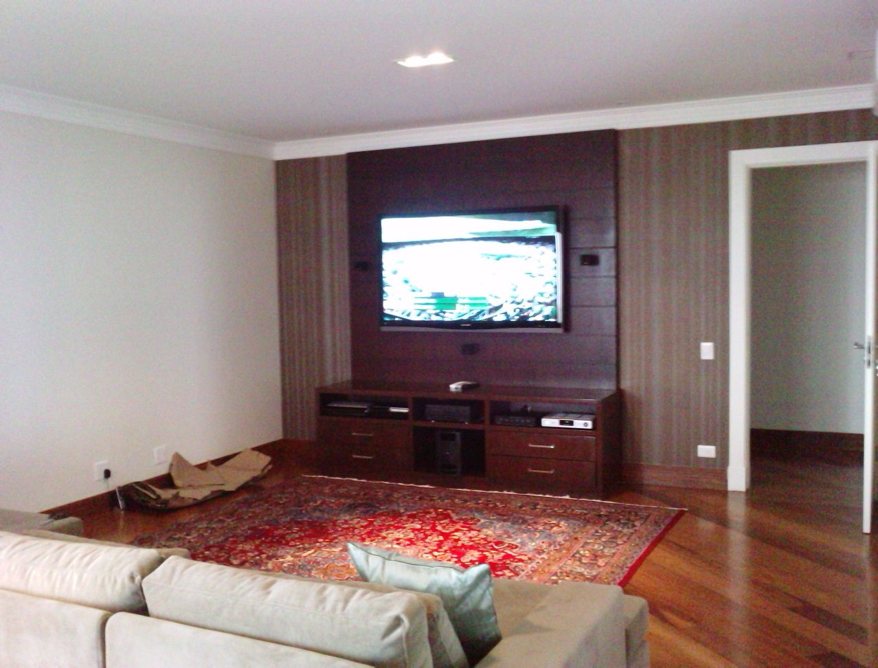 tv de 65 polegadas e home theater