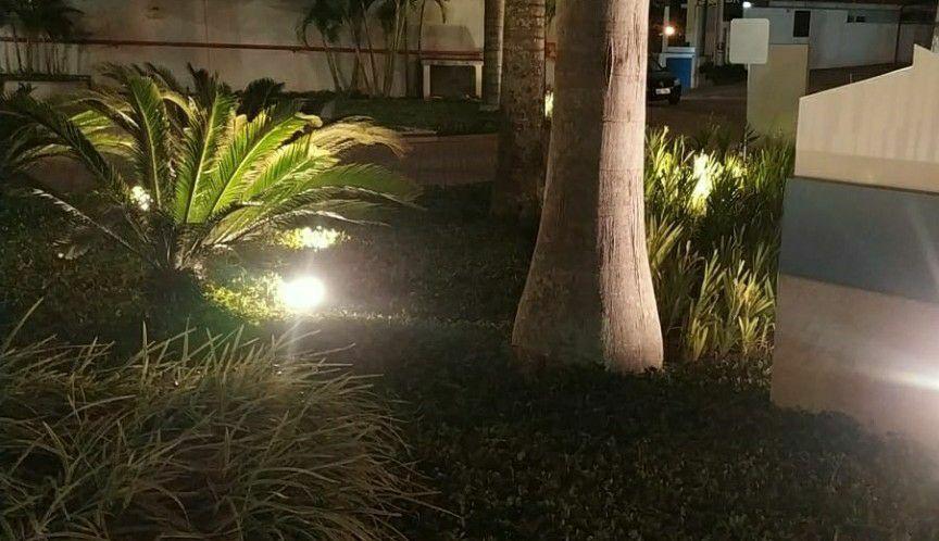 montagem iluminação Jardim