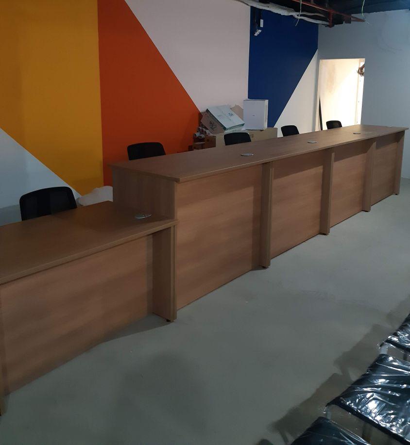 Montagem de móveis para escritório