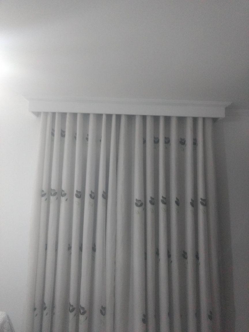 cortineiro simples com iluminação em led
