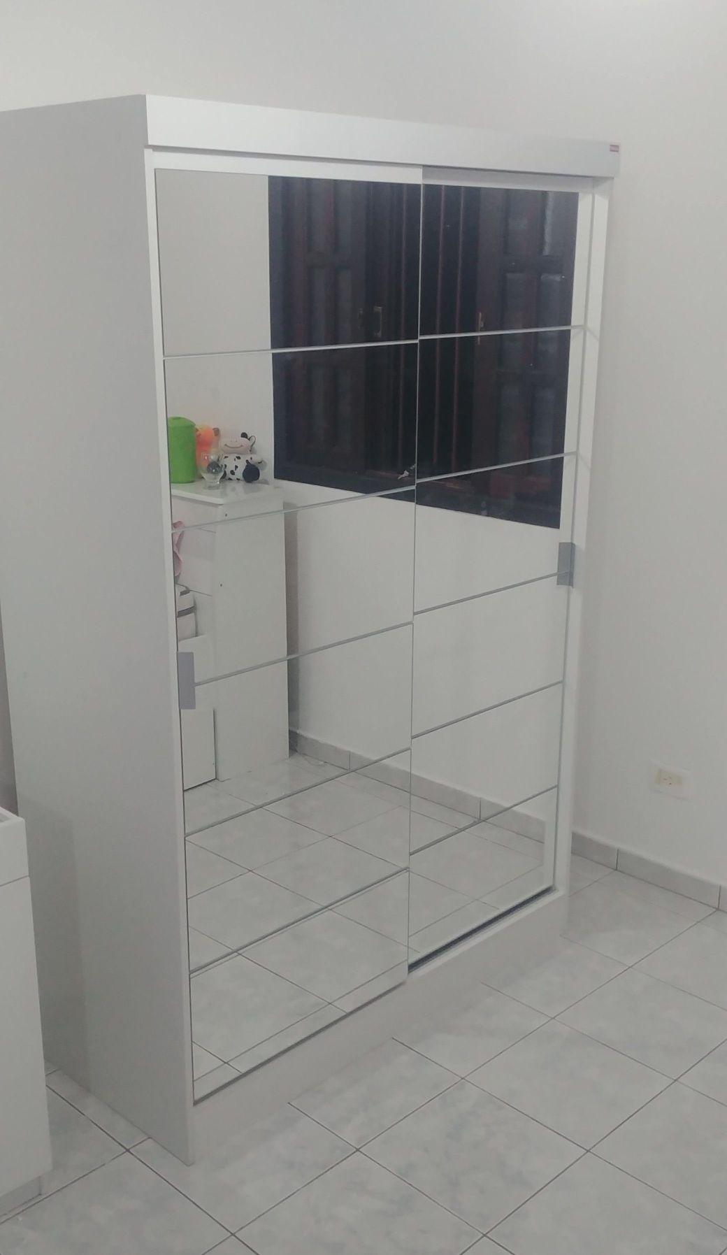 guarda roupa 2 portas com espelho