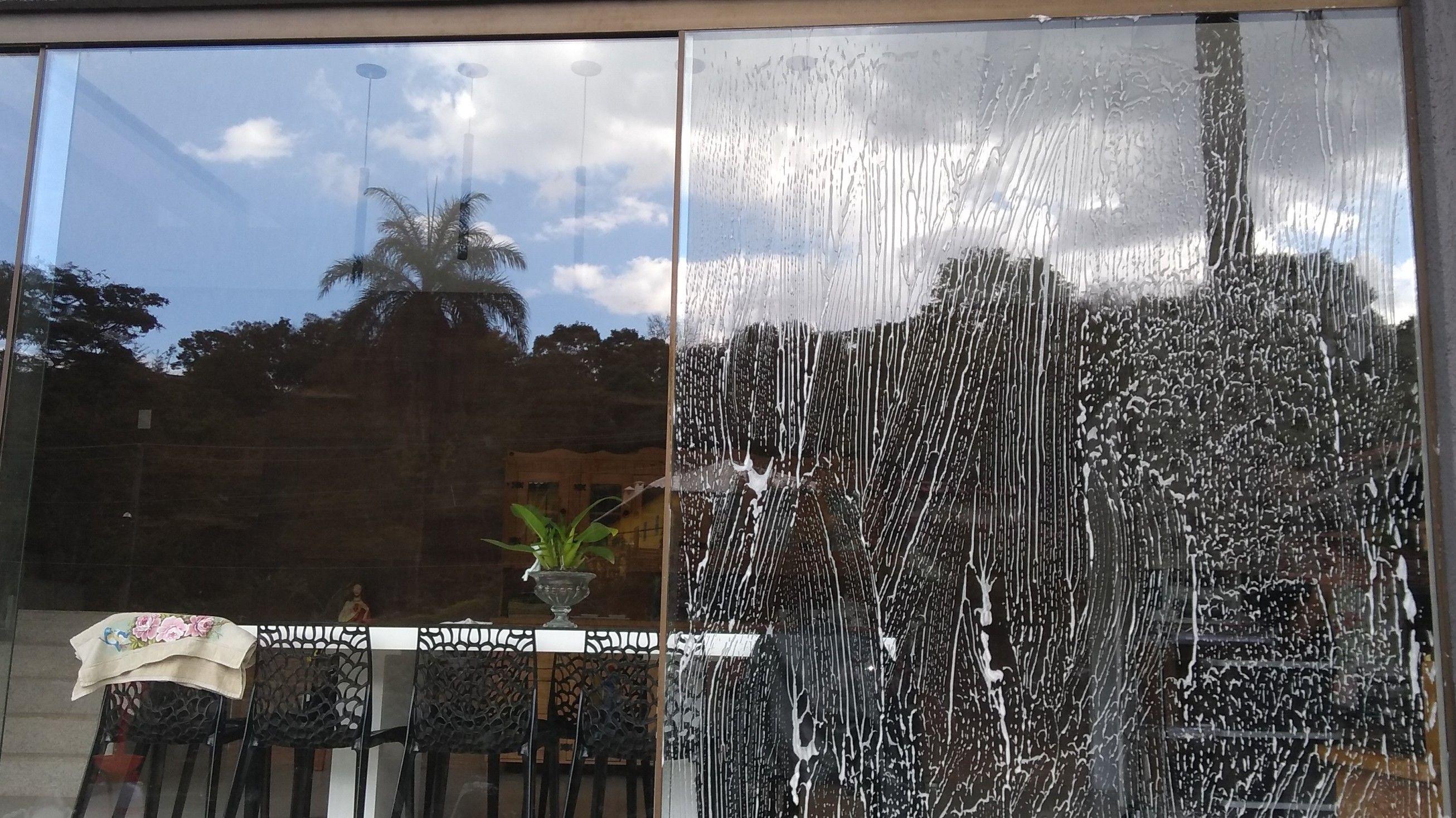 Limpeza porta de vidro