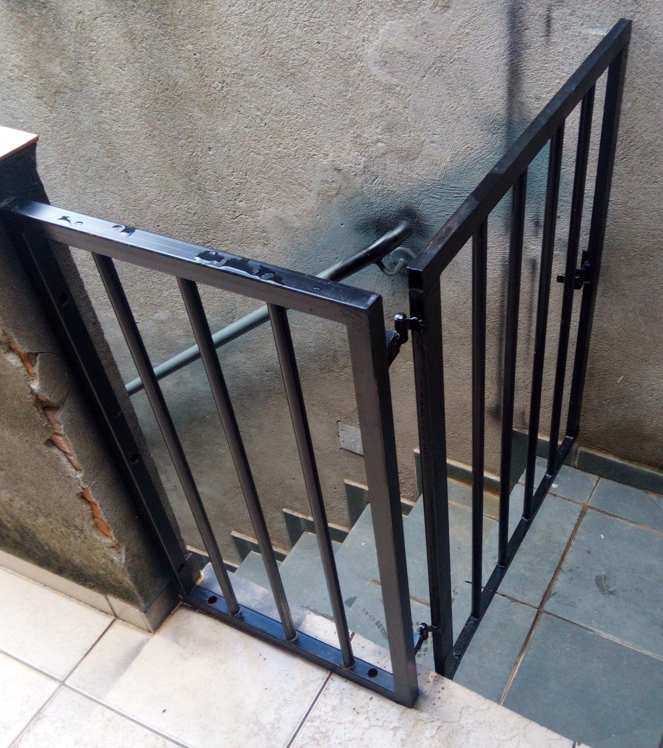 Guarda corpo e portão de proteção infantil