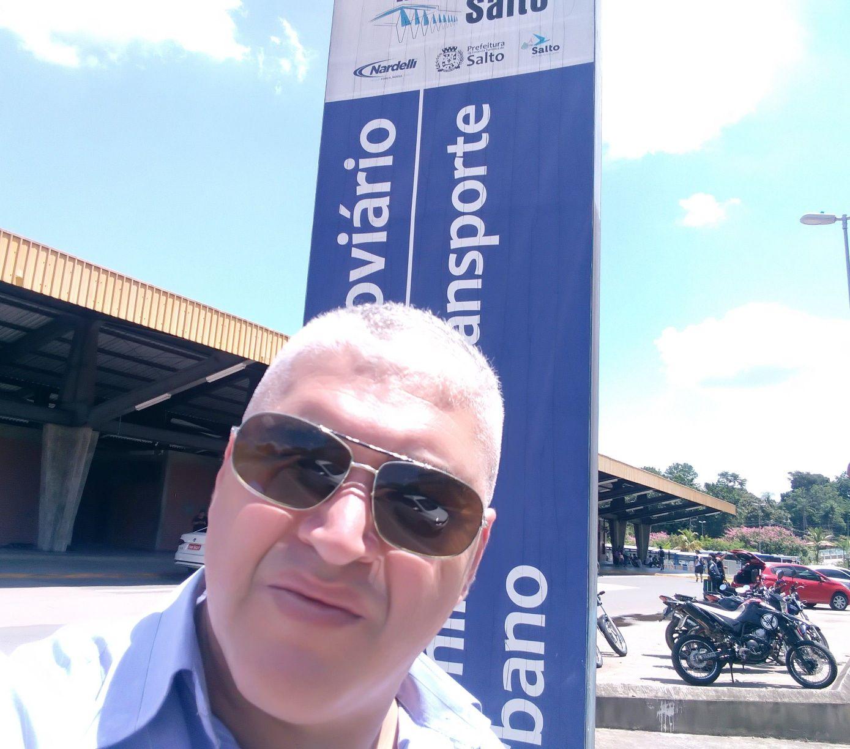 Em cidade de Salto de Itú. Com cliente médico.